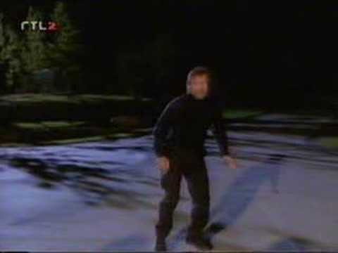 Video: Chuck Norris - High Powered Super Kick