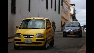 Autorizan tomar servicio de taxi por cualquier medio y cobro de peajes