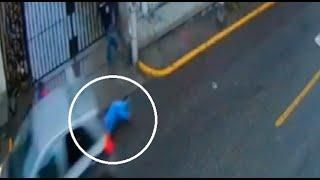 'Raquetera' arrastró a mujer para robarle bolso en calle de Arequipa