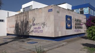Pintarrajean edificios sede de Partidos Políticos que rechazaron la legalización del aborto.