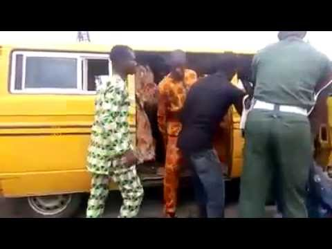 connectYoutube - BABARIC!  Nigerian soldier beats bus conductor to pulp and threatens to shoot him
