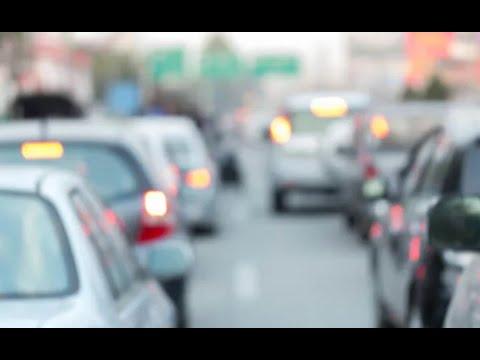 Tráfico fluye después de intensa lluvia en la ciudad