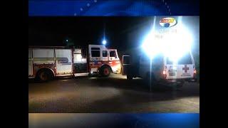 Bomberos y Cruz Roja rescatan a un hombre de la cumbre de un árbol