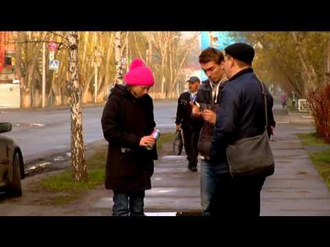 Участники акции \Ямы в цвет\ разрисовали выбоины на дорогах Томска