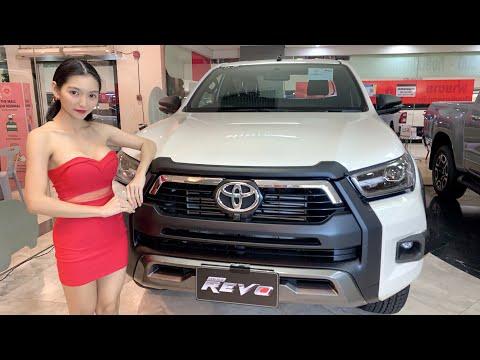 Toyota-Hilux-REVO-ROCCO-(Minor