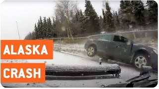 Icy Road Causes Car Crash | Dashcam Crash