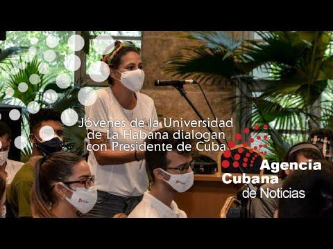 Jóvenes estudiantes y profesores de la Universidad de La Habana dialogan con Presidente de Cuba