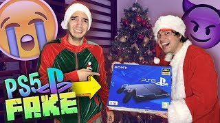 ¡LE REGALO UN PS5 FALSO! 24 HORAS de BROMAS PESADAS a mi HERMANO *final inesperado*