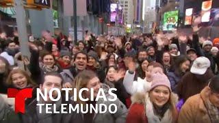 Miles de personas abarrotan Times Square para recibir el 2020 | Noticias Telemundo