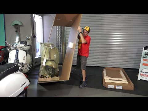 Unboxing the New 2021 75th Anniversary Vespa GTS | Giallo Settantacinquesimo (Yellow 75th)