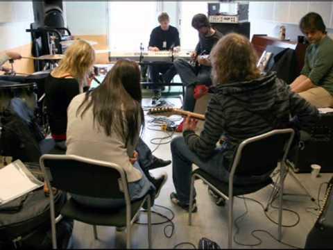 Populærmusikkutdanningen ved NISS - unplugged