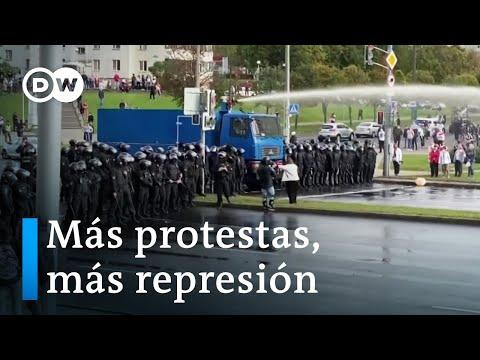 Policía bielorrusa vuelve a cargar con cañones de agua