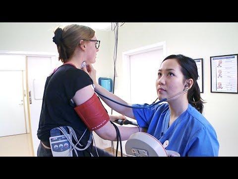 Nyckelroll i vårdkedjan – Följ Anna, biomedicinsk analytiker inom klinisk fysiologi