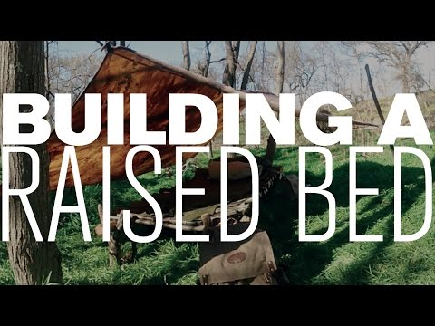 BUILDING A RAISED BED WITH NO CORDAGE