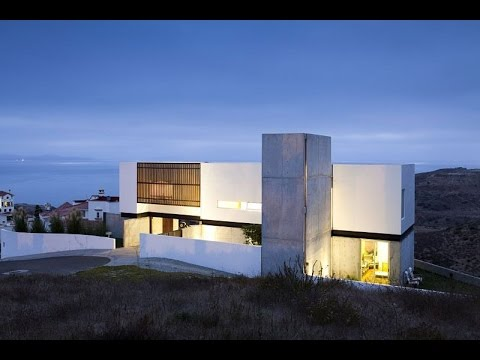 Minimalist House Design with Woodern Accent and Panoramic Ocean View