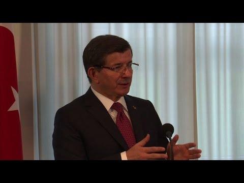 Syrie/Turquie:les appels à ouvrir la frontière sont