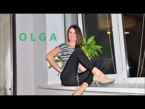 Olga fashionwalk palmdress and highheels
