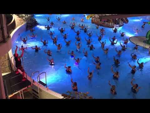 Aqua Zumba i Äventyrsbadet på Fyrishov