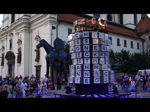 """""""25 Hertz"""" in Brünn - Licht-Klang-Installation der Musikstadt Leipzig"""