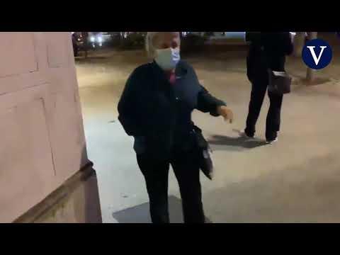 La Guardia Urbana dispara a un sintecho por amenazar con un cuchillo a una patrulla