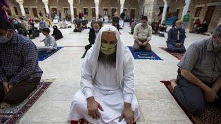 La Franja de Gaza celebra el fin del Ramadán ensombrecido por la primera muerte por Covid-19