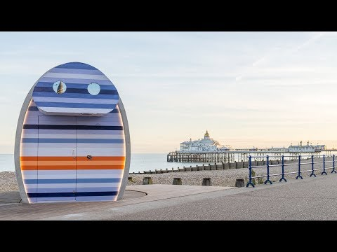 Rotating beach hut can catch the sun's rays all day | Architecture | Dezeen