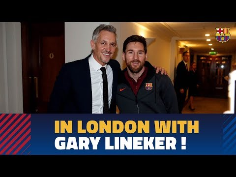 Leo Messi and Luis Suárez meet up with Gary Lineker at the team hotel in London
