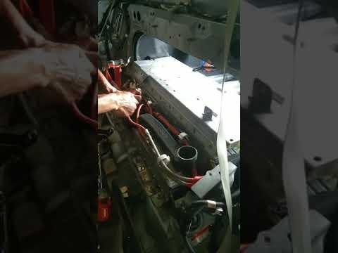 ซ่อมแบต-hybrid-toyota-camry
