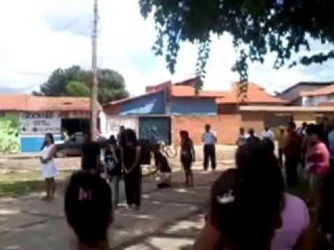 Grupo Atos de Teatro - Apresentação na praça no Parque Mão Santa - Teresina(PI)