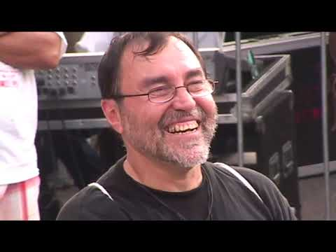 Tony Vega concierto en Fordham Road Bronx N Y  video por Jose Rivera 2010