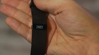 Fitbit Charge HR folds heart rate into its everyday fitness band