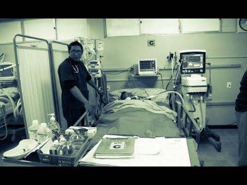 Médicos intensivistas en emergencia