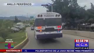 Autobús traslada grupo de personas para cuarentena en la Villa Olímpica
