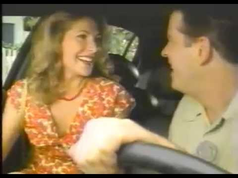 connectYoutube - Funny Girl farts in car !