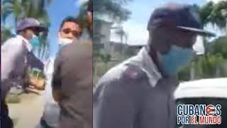 Momento en el que policía política cubana