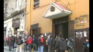 Se registraron largas filas en puertas del ministerio de Trabajo
