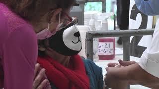 Vacunan con primera y segunda dosis en parque Erick Barrondo