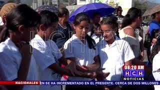 Se toman calle exigiendo reparación de aguas negras en escuela de col. Las Torres