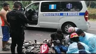 Bomberos atendieron a dos personas que sufrieron un accidente vial