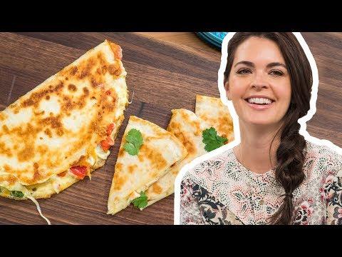 Katie Lee Makes a Perfect Shrimp Quesadilla | Food Network
