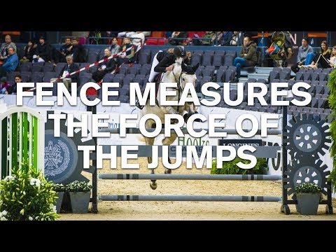 Horse jumping fence that measures the force