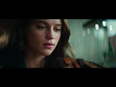"Tomb Raider - Clip ""Karakuri"" - Castellano HD"