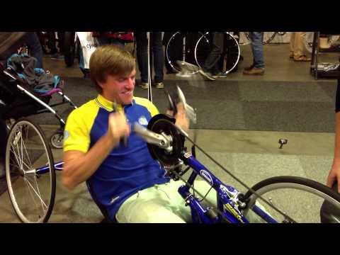 Matthias Wengelin landslagscyklist MTB kör handcykel på Sweden Bike Expo 2013
