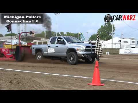2.5 Diesel Trucks From The TTPA Truck Pulls In Genesee County Michigan 2018