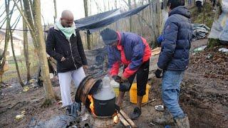 Migrantes continuam ao relento na Bósnia