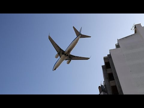 Coronavirus: Cancelled flights refund refusals slammed as 'completely unacceptable' photo