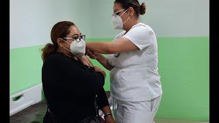 Primer grupo de vacunados Covid-19 recibe segunda dosis