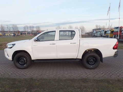 to3876 Toyota Hi-Lux DLX 4x4 pick up - NEW