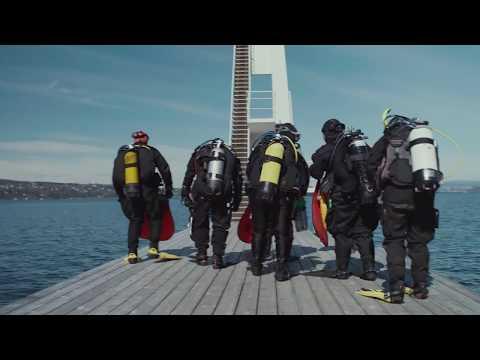 Kombinerer dykkeglede med å gjøre en innsats for miljøet