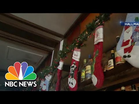 Americans Celebrate Christmas in July